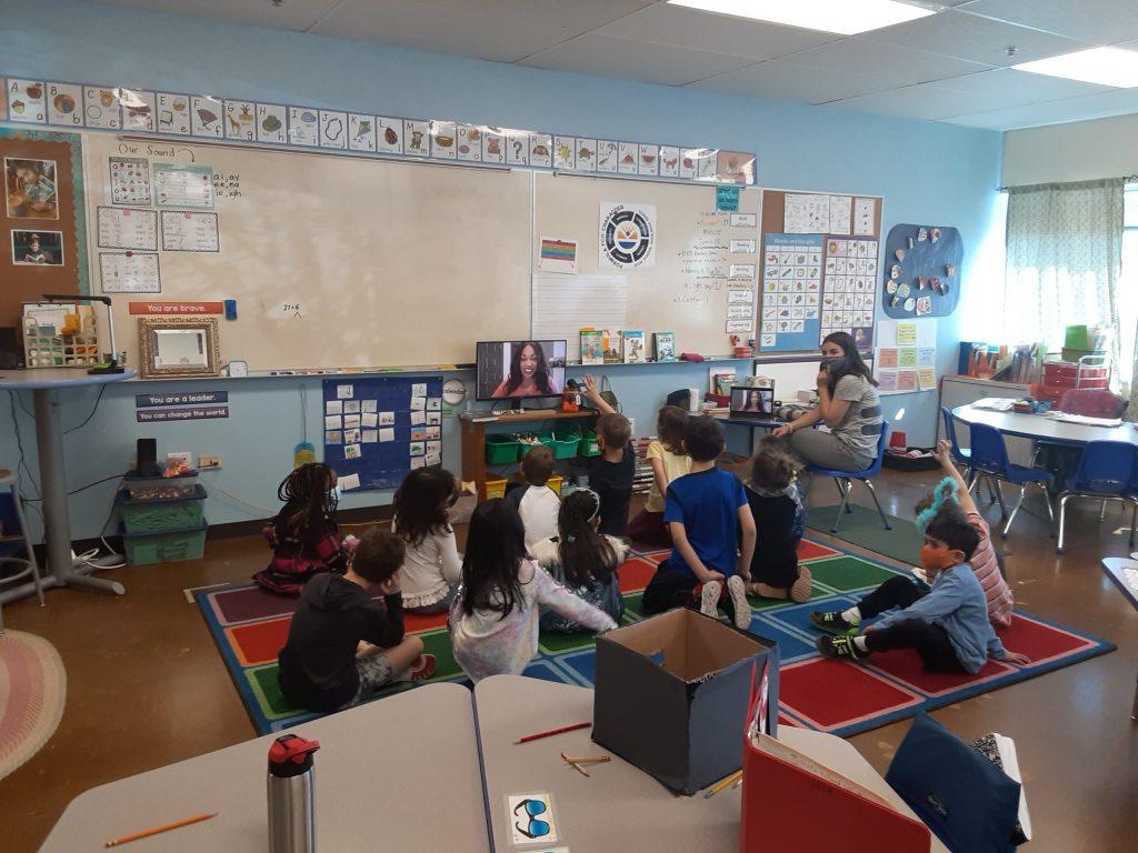 CBS' Mekialaya White Reads to 1st grade